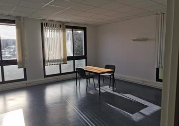 Location Bureaux SAINT-NAZAIRE 66m²