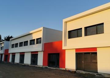 Location Locaux d'activités DONGES 184m²