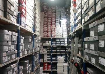 Vente Chaussures GUÉRANDE 148m²