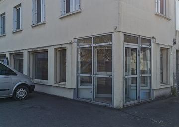 Location Locaux commerciaux DONGES 100m²